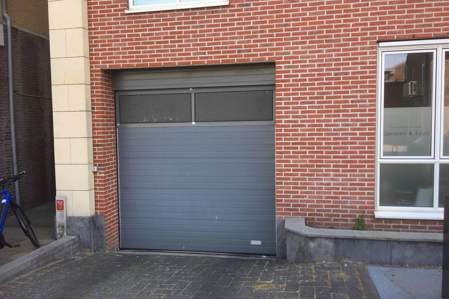 View photo 2 of Hogeweg GARAGE NR 8