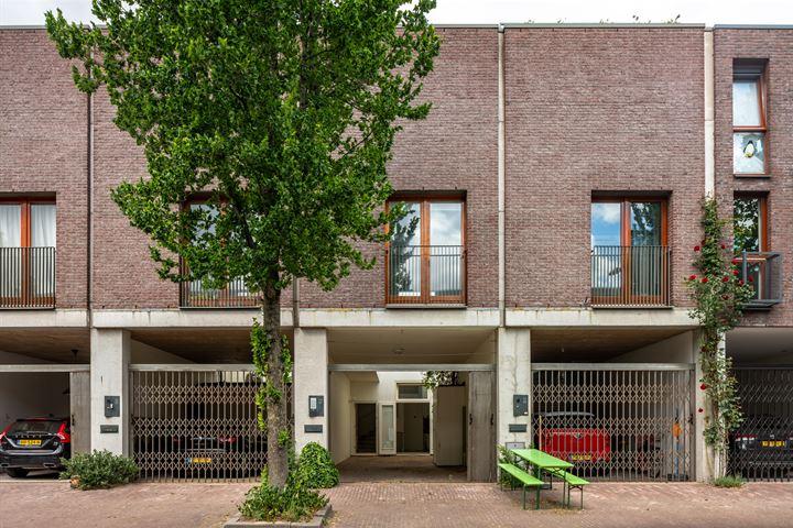 J.F. van Hengelstraat 82