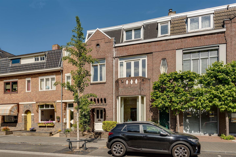 View photo 3 of Graaf Huynlaan 10