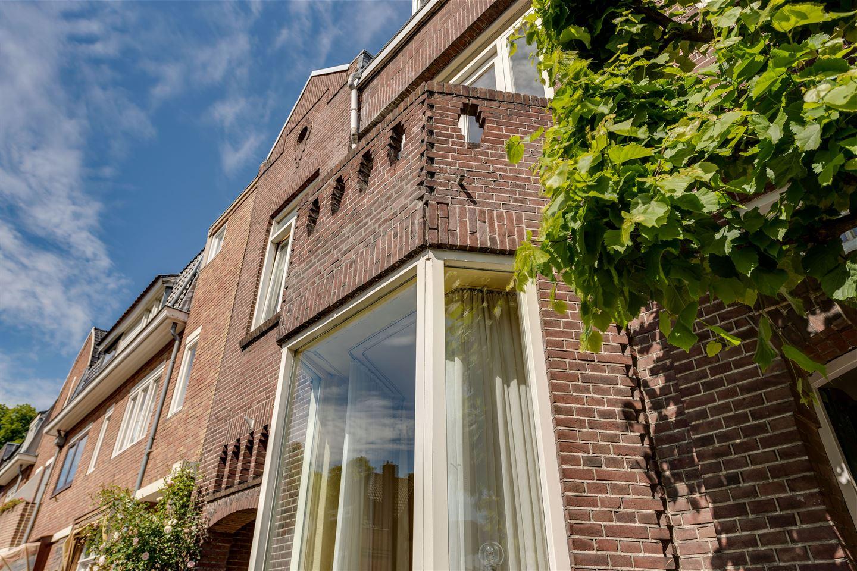 View photo 4 of Graaf Huynlaan 10