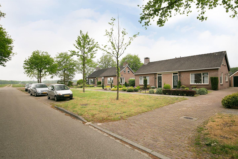 Bekijk foto 2 van Veldakkersweg 32
