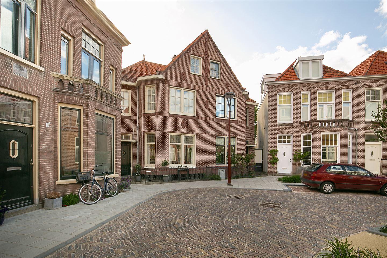 Bekijk foto 1 van Roemer Visscherstraat 10