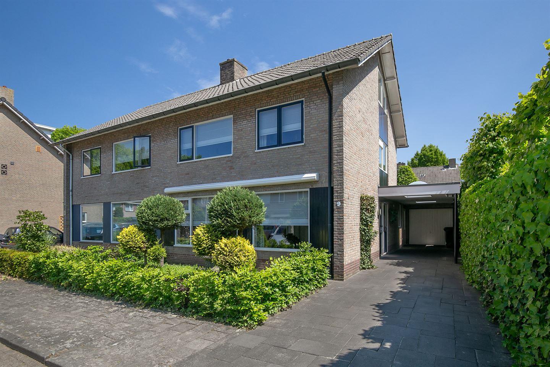 Bekijk foto 1 van Meindert Hobbemastraat 9