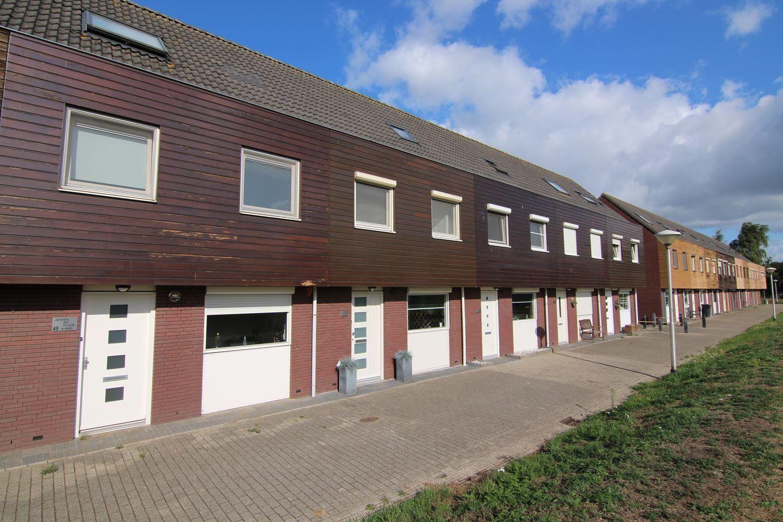 Bekijk foto 1 van Riethovenerf 48