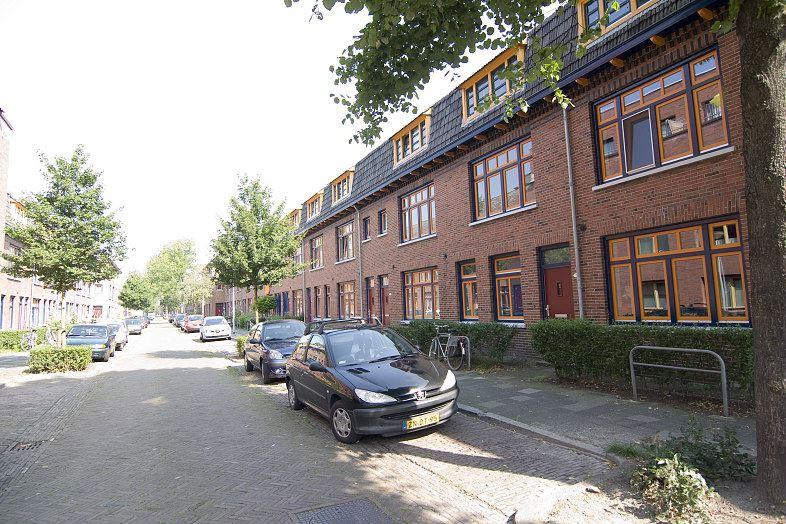 Bekijk foto 2 van Gerbrand Bakkerstraat 3
