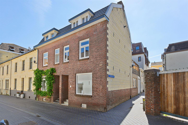 Bekijk foto 1 van Maternusstraat 7