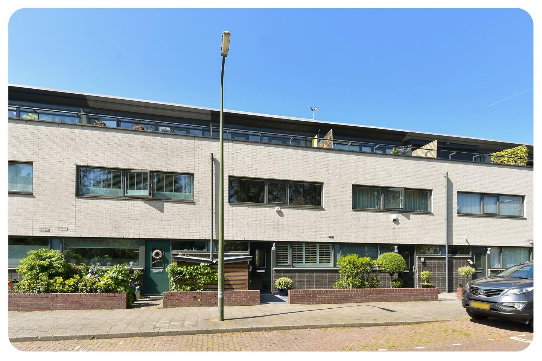 Bekijk foto 1 van Van der Goeslaan 21