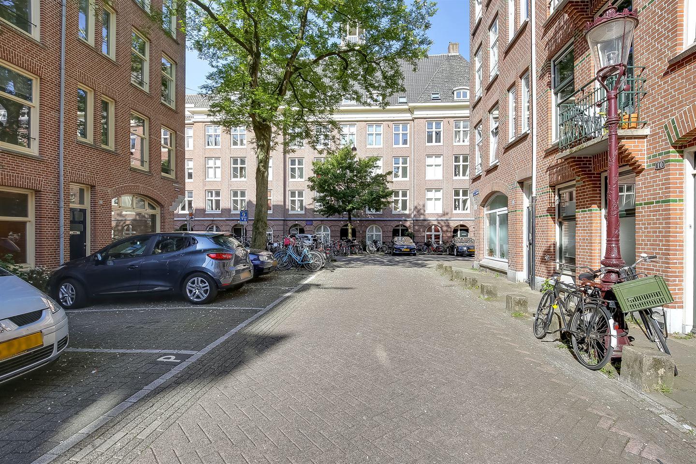 Bekijk foto 2 van Van Bossestraat 26 III