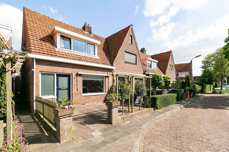 Bekijk foto 2 van M A de Ruyterstraat 8