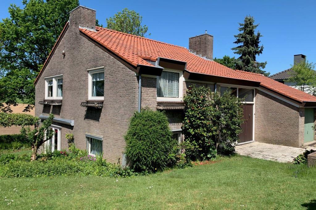 View photo 1 of Schoutstraat 11