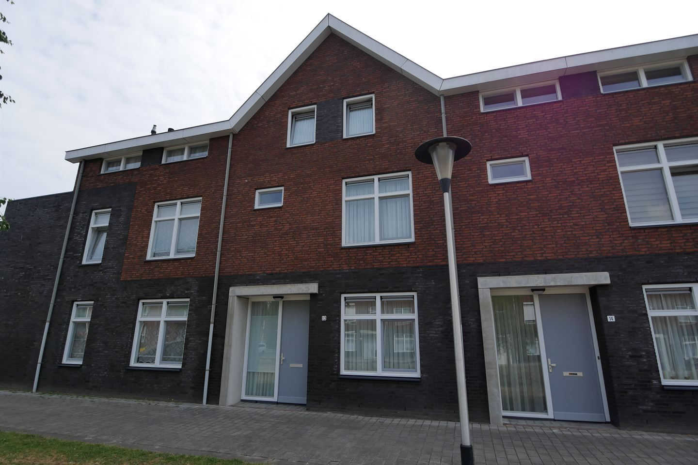 Bekijk foto 2 van Wezelplein 13