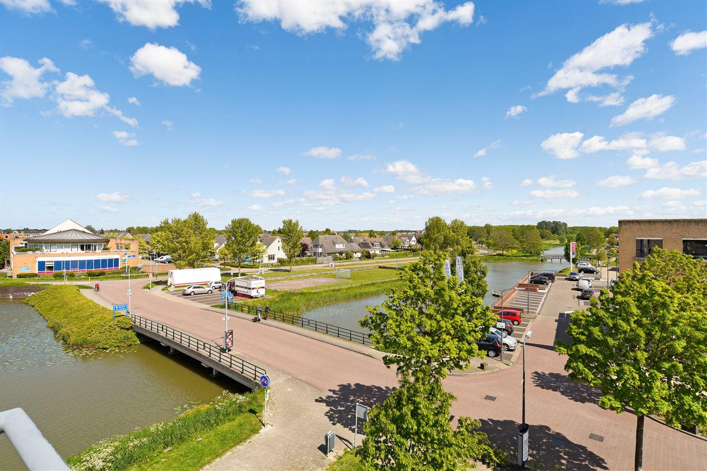 Bekijk foto 6 van Vijverhof 12