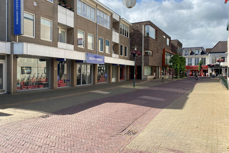Bekijk foto 2 van Raadhuisplein 42