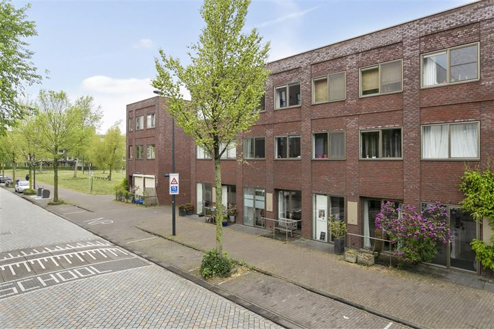 Erich Salomonstraat 615