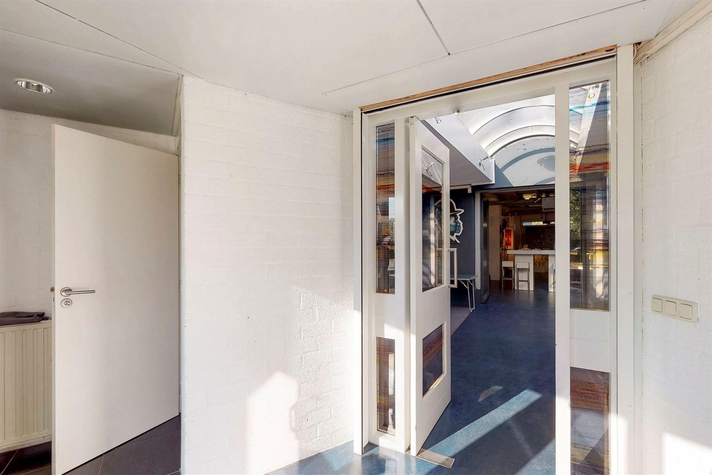 Bekijk foto 2 van Oosterhoutseweg 18