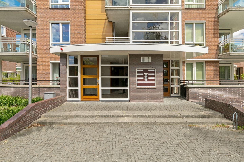 Bekijk foto 2 van Floris Versterstraat 16