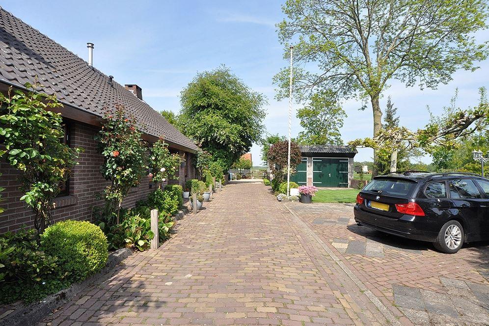 View photo 4 of Kerkdijk 172