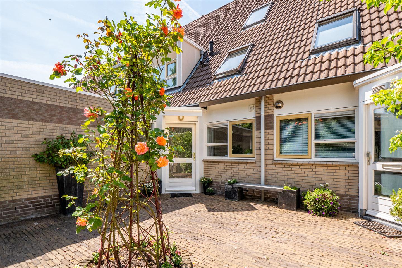 Bekijk foto 2 van Jan van Eycklaan 57