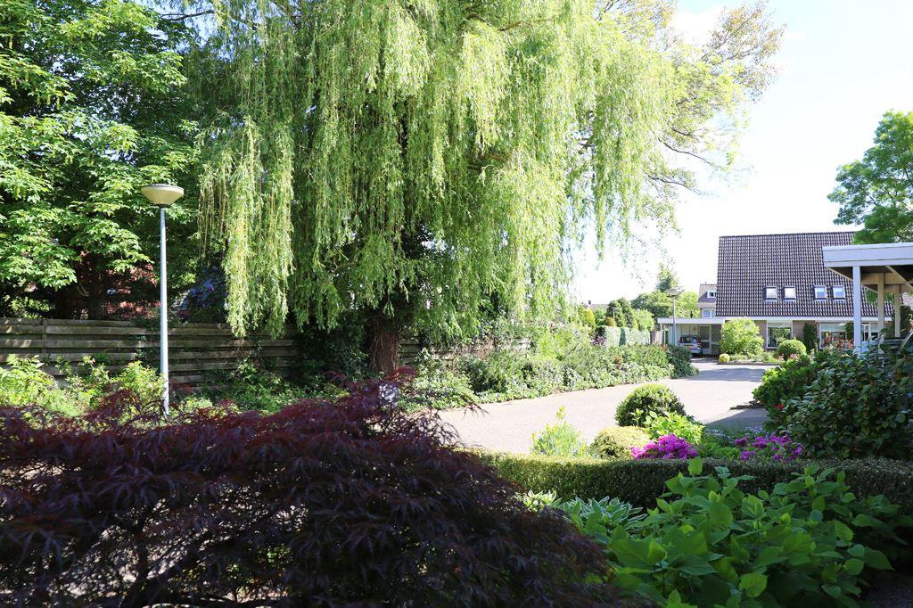 Bekijk foto 2 van J.van Wassenaerstraat 22