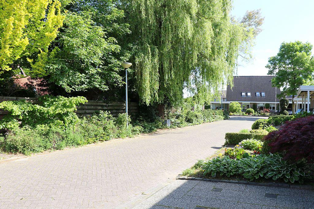Bekijk foto 3 van J.van Wassenaerstraat 22