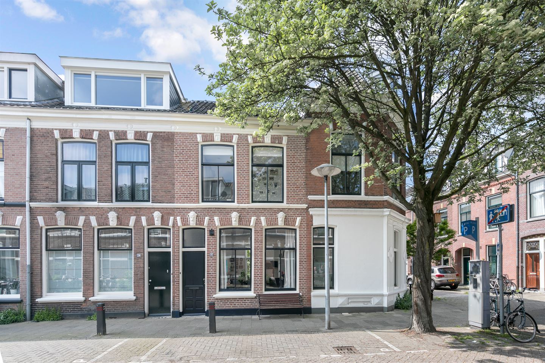 Bekijk foto 1 van Bekkerstraat 152