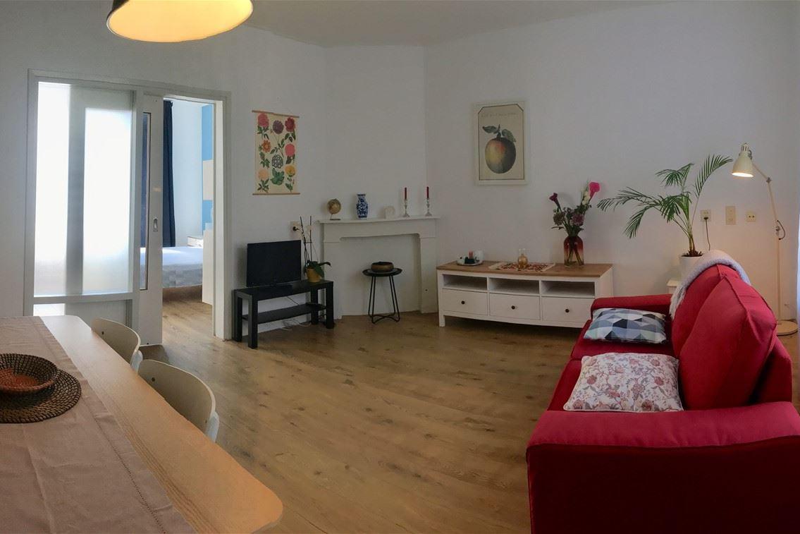 Bekijk foto 2 van Van Reigersbergenstraat 67 -II