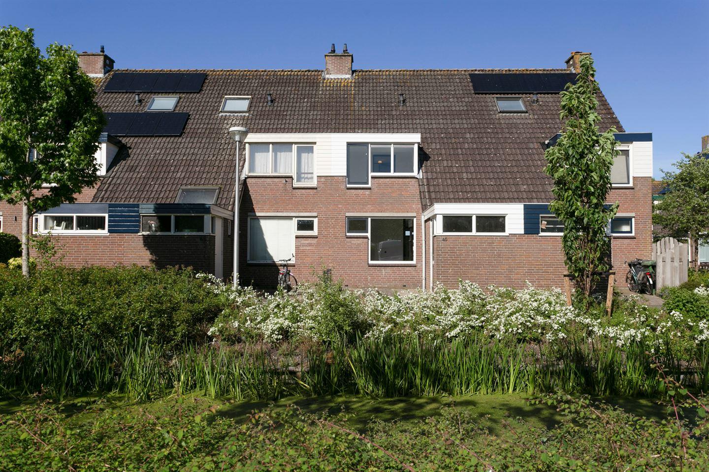 Bekijk foto 1 van Pieter van Hemerenplantsoen 46