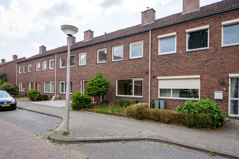 Bekijk foto 2 van Roerstraat 37