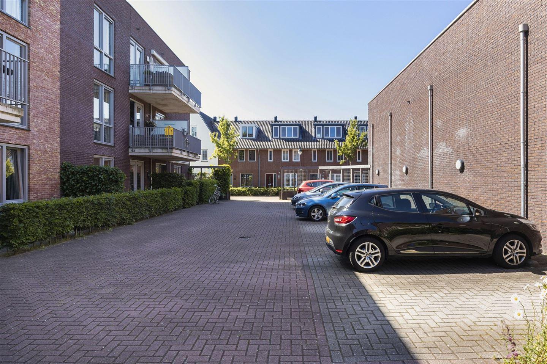 Bekijk foto 4 van Pieter van Vollenhovenstraat 11