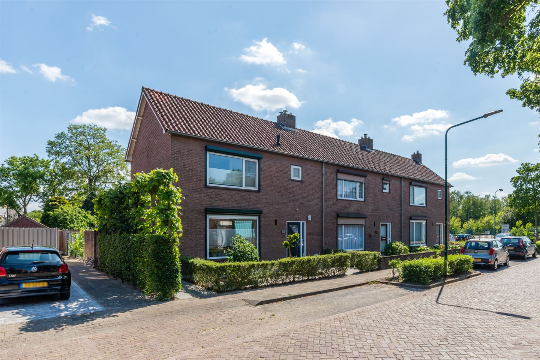 Bekijk foto 1 van Ruysdaelstraat 51