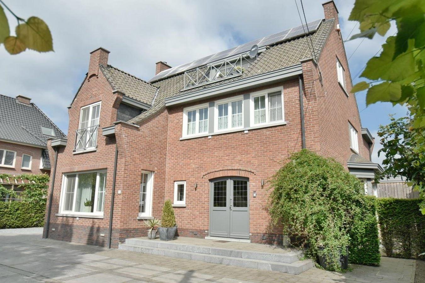 Bekijk foto 2 van Maastrichtersteenweg 77 Maaseik BELGIË