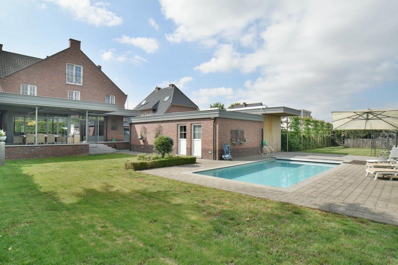 Bekijk foto 3 van Maastrichtersteenweg 77 Maaseik BELGIË