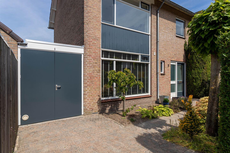 Bekijk foto 2 van van Lieshoutstraat 7