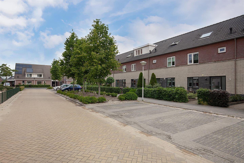 Bekijk foto 2 van Van Laarstraat 14