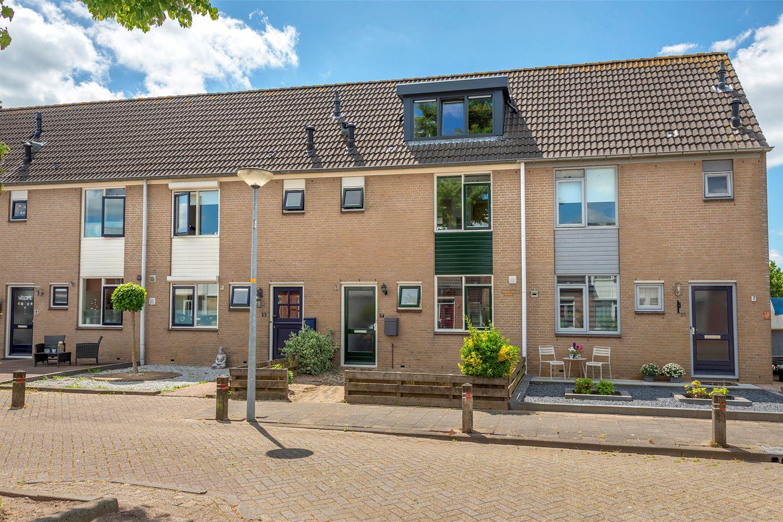 Bekijk foto 1 van Burgemeester Kuijkstraat 17