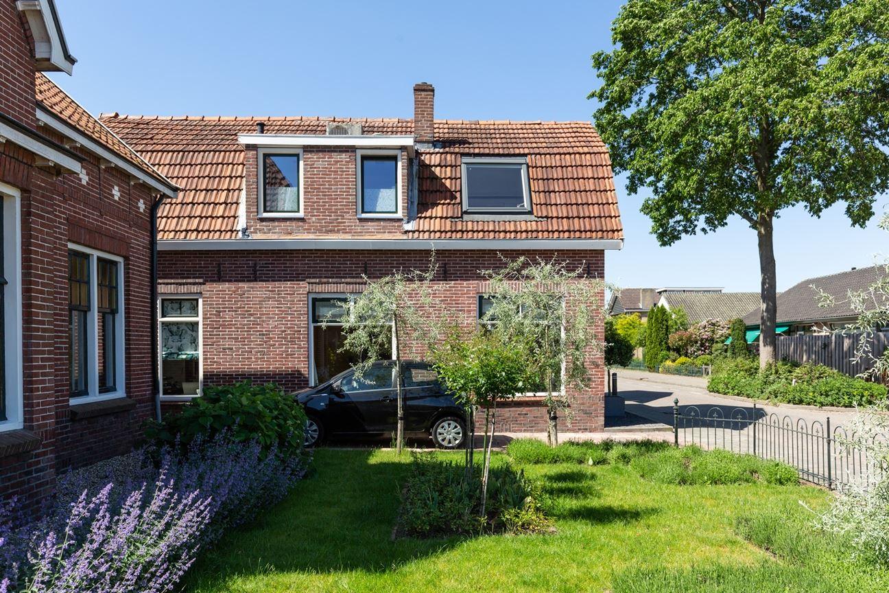 Bekijk foto 3 van Freule van Dorthstraat 49