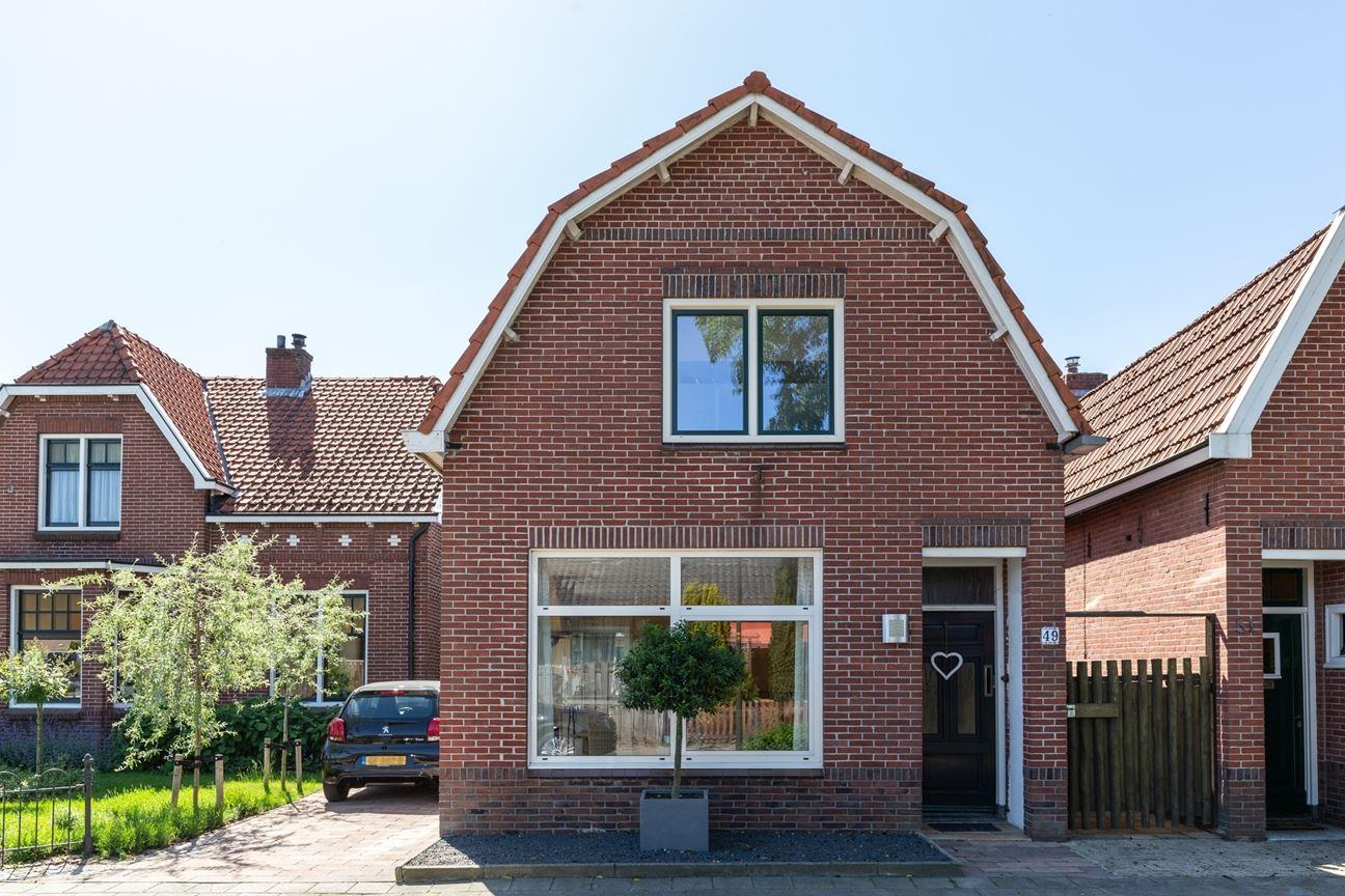 Bekijk foto 1 van Freule van Dorthstraat 49