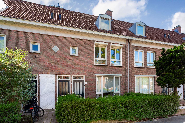 Bekijk foto 1 van Petrus Dondersstraat 134