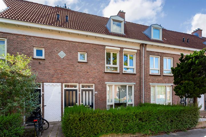Petrus Dondersstraat 134