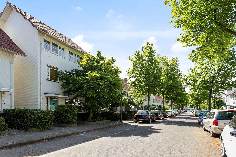 Bekijk foto 2 van Burghstraat 23
