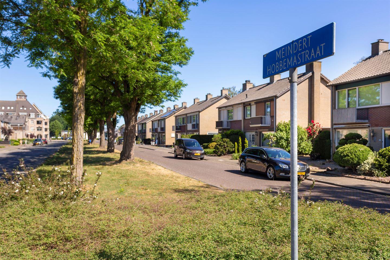 Bekijk foto 2 van Meindert Hobbemastraat 19