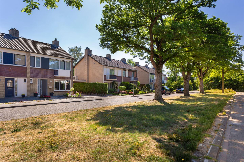 Bekijk foto 3 van Meindert Hobbemastraat 19