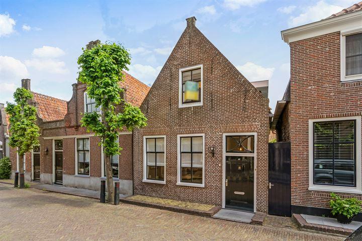 Grote Kerkstraat 28