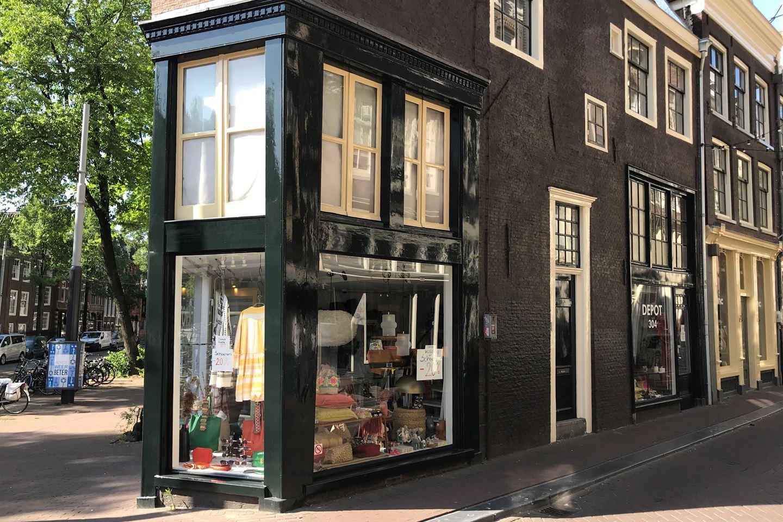 Bekijk foto 2 van Nieuwezijds Voorburgwal 304