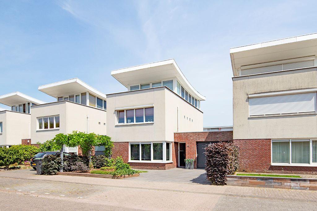 Bekijk foto 2 van Nistelrodestraat 42