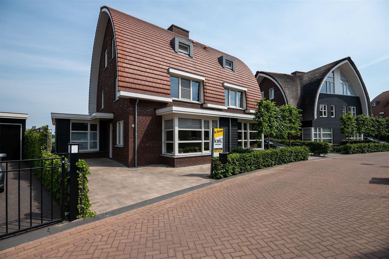 Bekijk foto 1 van Rijnauwen 38