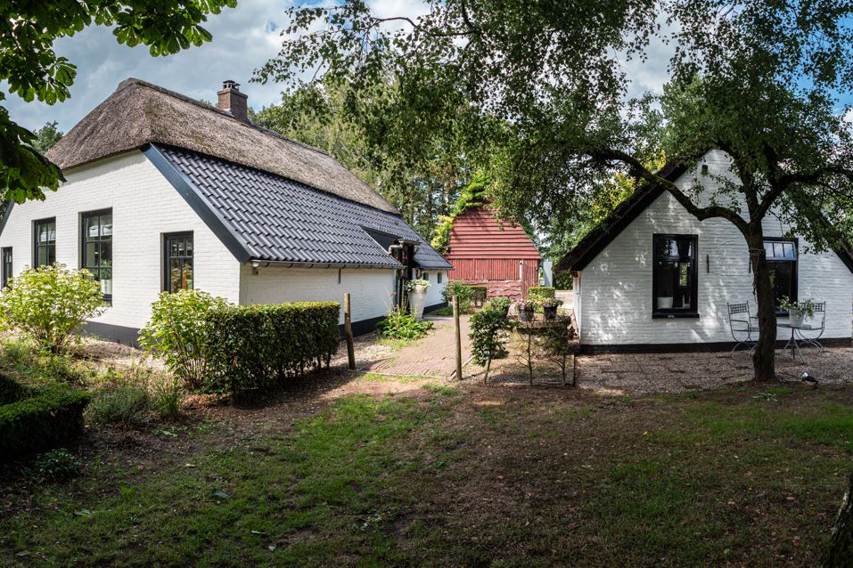 Bekijk foto 3 van Klaverkampsweg 2