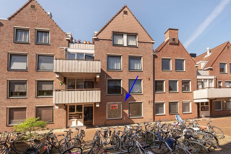 Bekijk foto 2 van Sint Janskerkhof 23