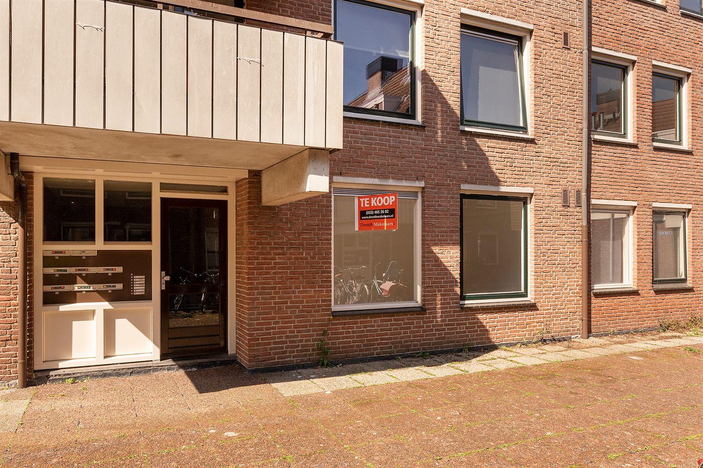 Bekijk foto 3 van Sint Janskerkhof 23