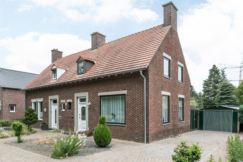 Bekijk foto 1 van Molenstraat 65